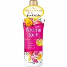 LION Aroma Rich Кондиционер для белья Scarlett с цветочно-фруктовым ароматом, флакон 520 мл.