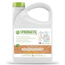 Synergetic Кондиционер для белья Миндальное молочко, 2,75 л